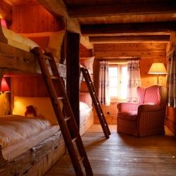 Aphrodite's Cabin 11128