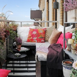 balcony | dwellinggawker - Patio Decorating Tips For Summer