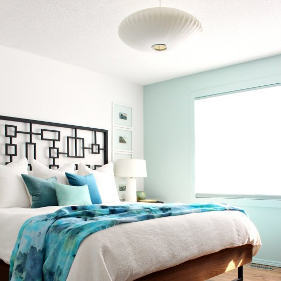 Beachy Blue Bedroom Decor